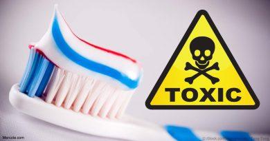 Také si čistíte zuby jedem? Seznam škodlivých látek v konvenčních zubních pastách