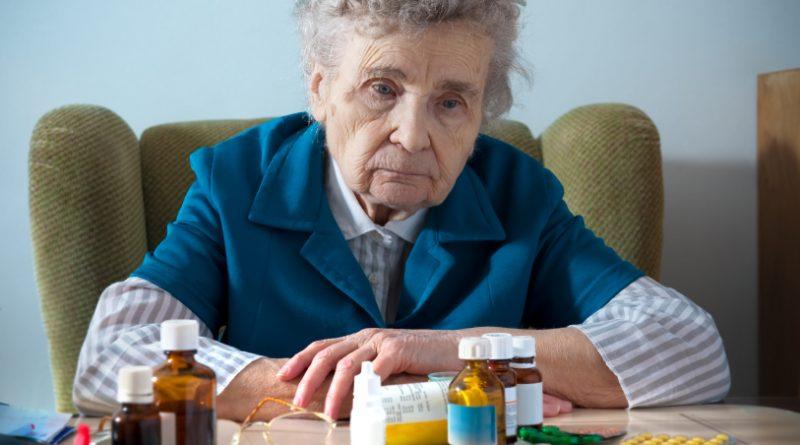 Za mnoho případů stařecké demence mohou léky a očkování