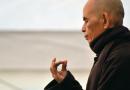 Čtyři vlastnosti pravé lásky podle Thich Nhat Hanha: nelpění není to, co si většina lidí myslí