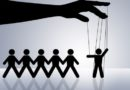 3 psychické mechanismy, díky nimž se Systém drží neustále u moci