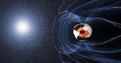 Geomagnetické pole dál slábne, píše náš čtenář