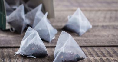 Šálek plný mikroplastů: pozor na plastové čajové sáčky