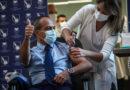 Izraelský premiér upsal občany své země Pfizeru, udělal z nich hromadně pokusné králíky
