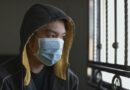 Brzy nás čeká pandemie zubních a jiných problémů, na jejichž počátku stály roušky